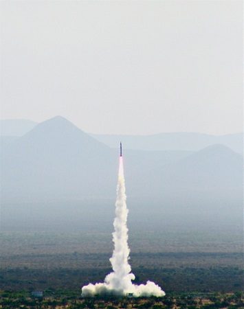 Successful launch of SL-7 from Spaceport America on June 21, 2013. (Credit: Spaceport America)