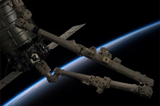 Cygnus freighter on ISS. (Credit: NASA)