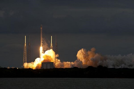 Falcon 9 lifts off with the Thaicom-6 satellite. (Credit: SpaceX)