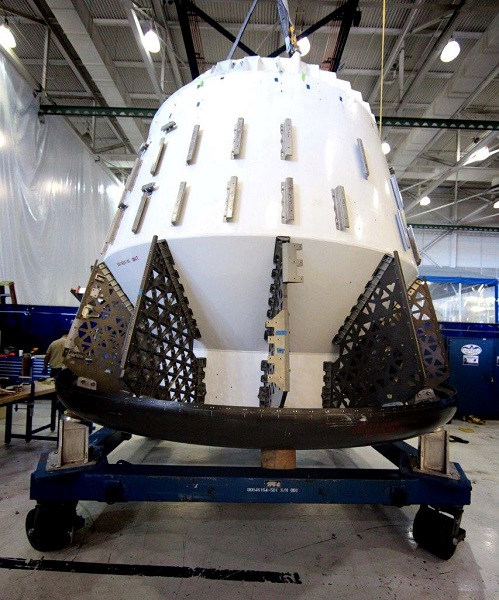 SpaceX Dragon abort test article. (Credit: SpaceX)