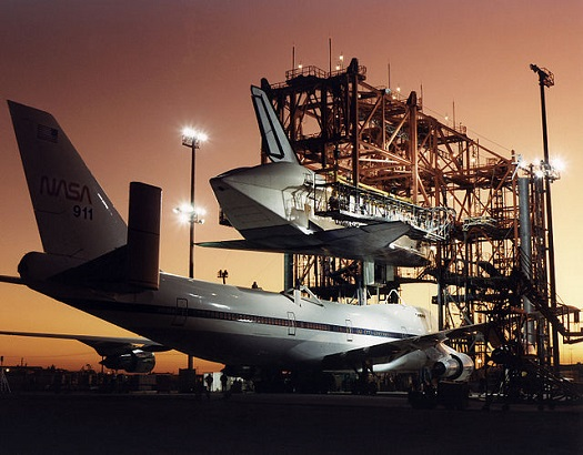Space shuttle Atlantis being mated to shuttle carrier aircraft at NASA Dryden. (Credit: NASA)