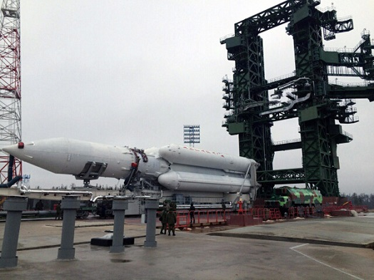 First Angara-A5 launch vehicle rolled out to the pad. (Credit: Khrunichev)