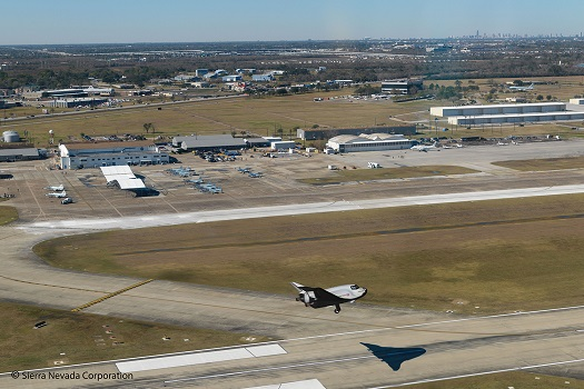 Dream Chaser landing at Ellington Field. (Cedit: SNC)