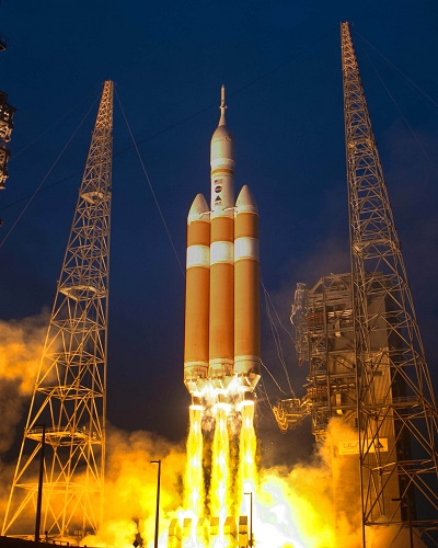 Delta IV Heavy lifts off with Orion capsule. (Credit: Lockheed Martin, United Launch Alliance)