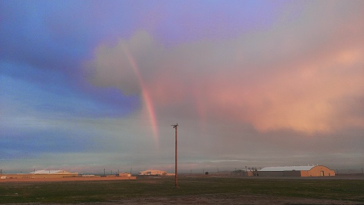 What lies at the end of the rainbow. Stratolaunch Systems, that's what. (Credit: Douglas Messier)