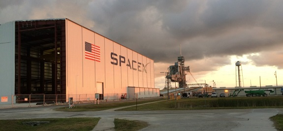 SpaceX assembly hangar at NASA's Kennedy Space Center. (Credit: SpaceX)