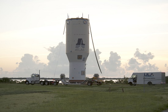 United Launch Alliance transports a five-story stack of rocket hardware approximately six miles from the Delta Operations Center to the Vertical Integration Facility utilizing Off-site Vertical Integration. (Credit: ULA)