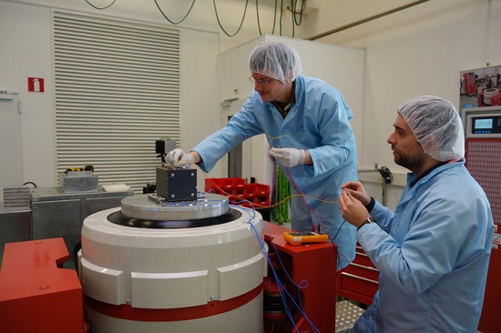 Est@r-II TV vibration test- on computer MB (Credit: ESA)