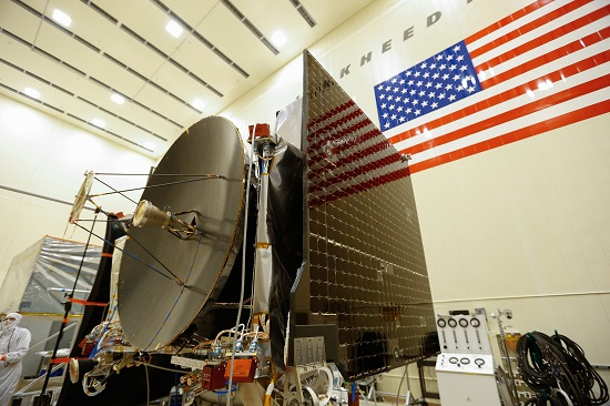 The high gain antenna and solar arrays were installed on the OSIRIS-REx spacecraft prior to it moving to environmental testing (Credit: Lockheed Martin)