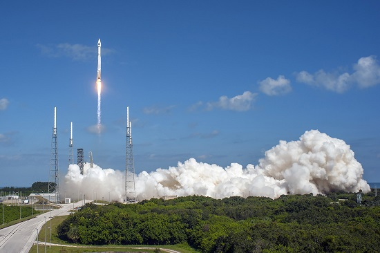 Atlas V launches GPS IIF-11 satellite. (Credit: ULA)