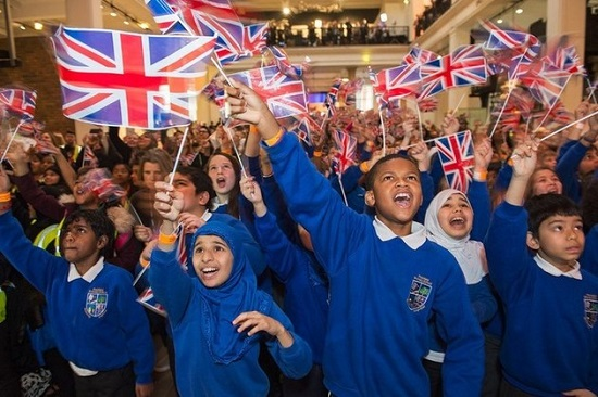 Students celebrate Tim Peake's voyage to the space station. (Credit: UKSA)
