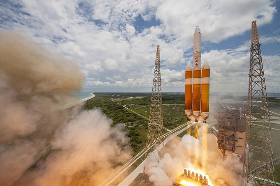 Delta IV Heavy lifts off with the NROL-37 satellite. (Credit: ULA)