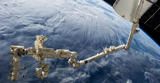 Dextre at the end of Canadarm2. (Credit: NASA)
