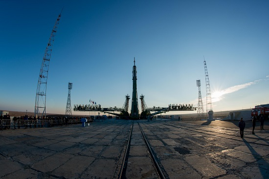 A Soyuz rocket ready to launch a new crew to the International Space Station. (Credit: ESA–Manuel Pedoussaut)
