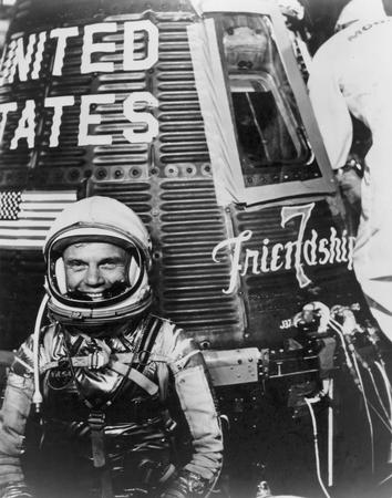 john-glenn-with-friendship-7-capsule