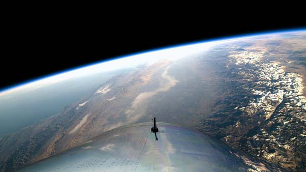 Awesome Images From the Flight of Virgin Galactic's SpaceShipTwo