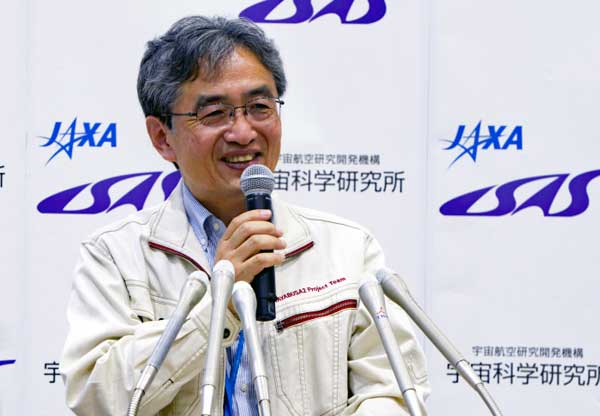 """Hayabusa2 Mission Manager Yoshikawa Selected for """"Nature's 10"""" in 2018"""