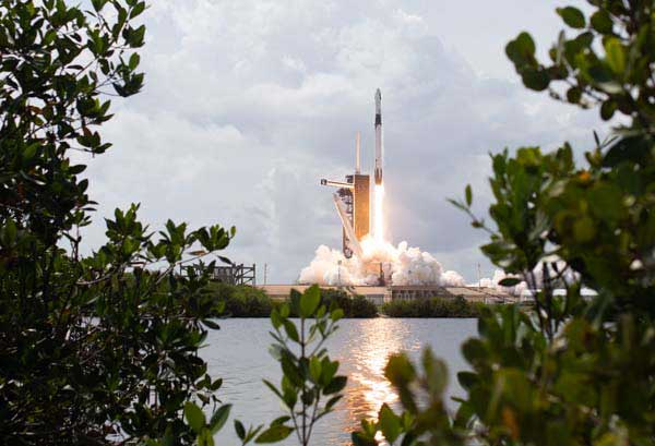 NASA Networks Support 1st Commercial Orbital Launch of Astronauts From U.S.